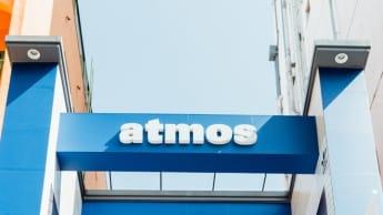 アトモス フットロッカー