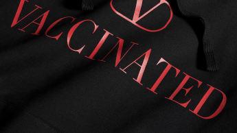 ヴァレンティノ ワクチン済み パーカー VACCINATED