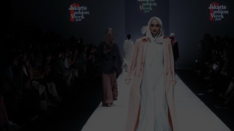ジャカルタファッションウィークで発表された現地デザイナーの新作