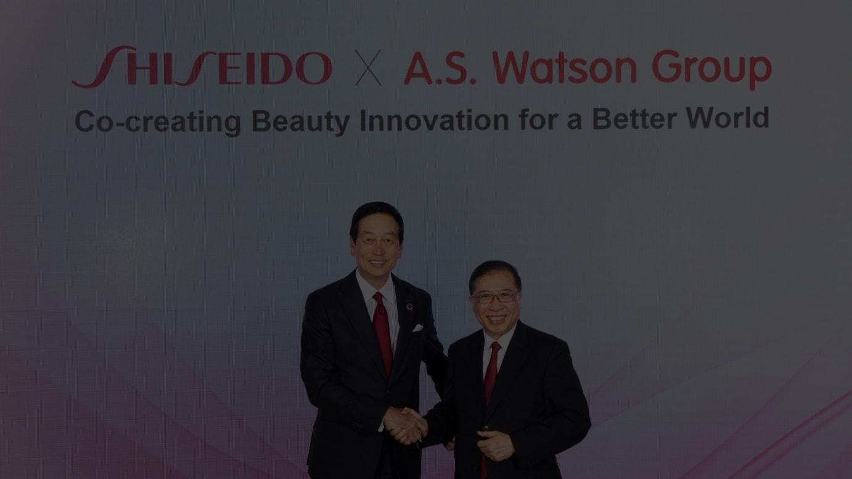 (左から)資生堂 魚谷雅彦代表取締役社長兼CEO、ワトソンズグループ ドミニック・ライ社長