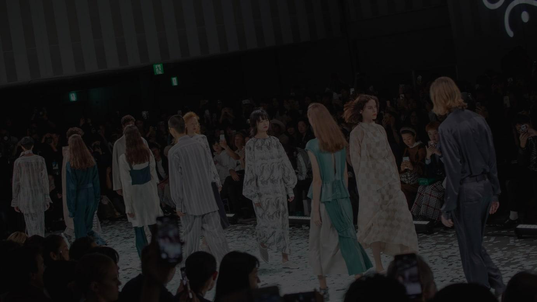 今シーズンはショーの開催中止を決定した「ティート トウキョウ(tiit tokyo)」(※写真は昨年10月に発表した2020年春夏コレクションより)