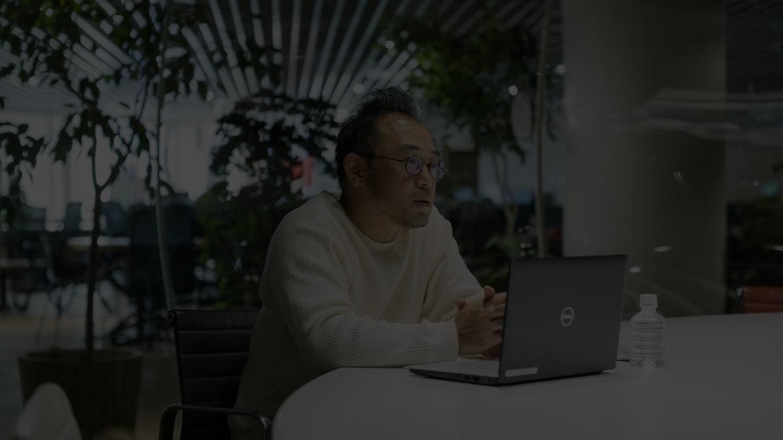 インタビューに応じるZOZOの澤田宏太郎社長