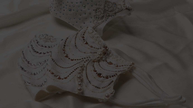 スワロフスキー クリスタルダイヤモンドマスク(税別100万円)