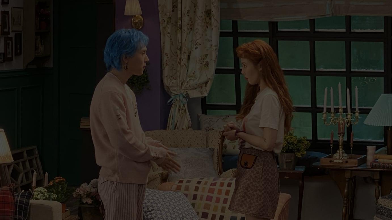 「フレンズ」をオマージュした番組に出演したヒョナとドーン。