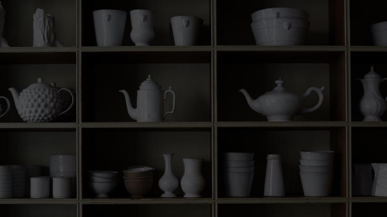 白い陶器のコレクション