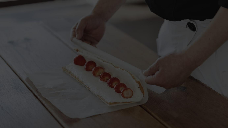 果実ロールケーキ(2600円〜)