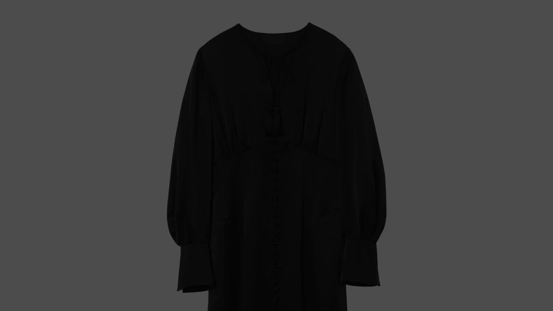マルチボタン ドレス(12万1000円)