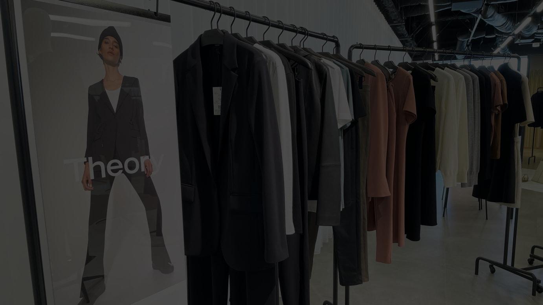 セオリーが展示会で発表した「New Tailoring」