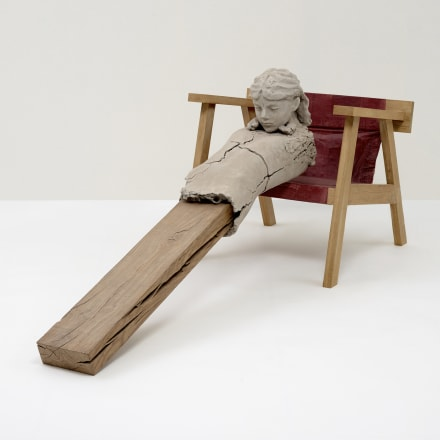 マーク・マンダース《椅子の上の乾いた像》2011-15 Photo: Ichiro Otani