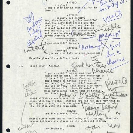 「アラバマ物語(To Kill a Mockingbird)」(1962年)の 脚本の一部。グレゴリー・ペックの蔵書(Gregory Peck  Papers)から、グレゴリー・ペックの注釈付き。マーガ レット・ヘリック(Margaret Herrick)図書館より貸与。