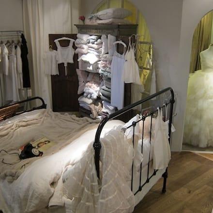 「Maison de Reefur」ベッド&バスルーム