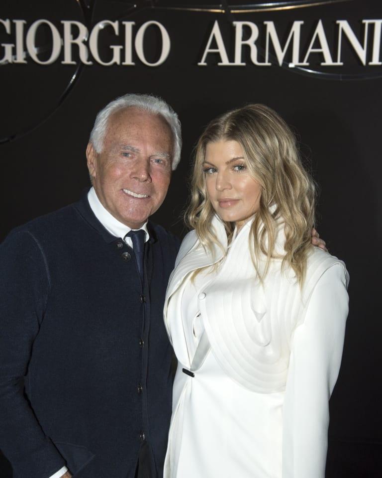 (左から)Giorgio Armani、Fergie