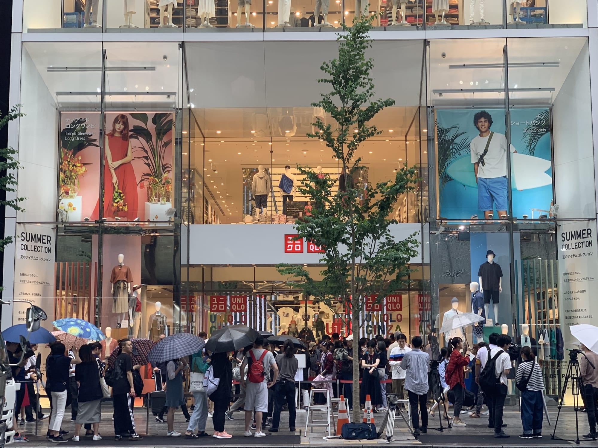 銀座 ユニクロ 1階から4階を貫く吹き抜け、「ユニクロの最先端」…銀座にグローバル旗艦店 :