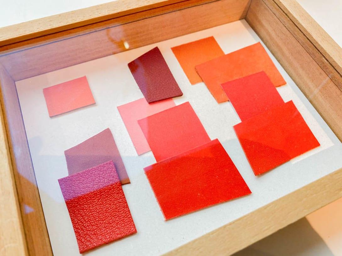 カラーシェードの参考となったレザーの例 Image by FASHIONSNAP.COM
