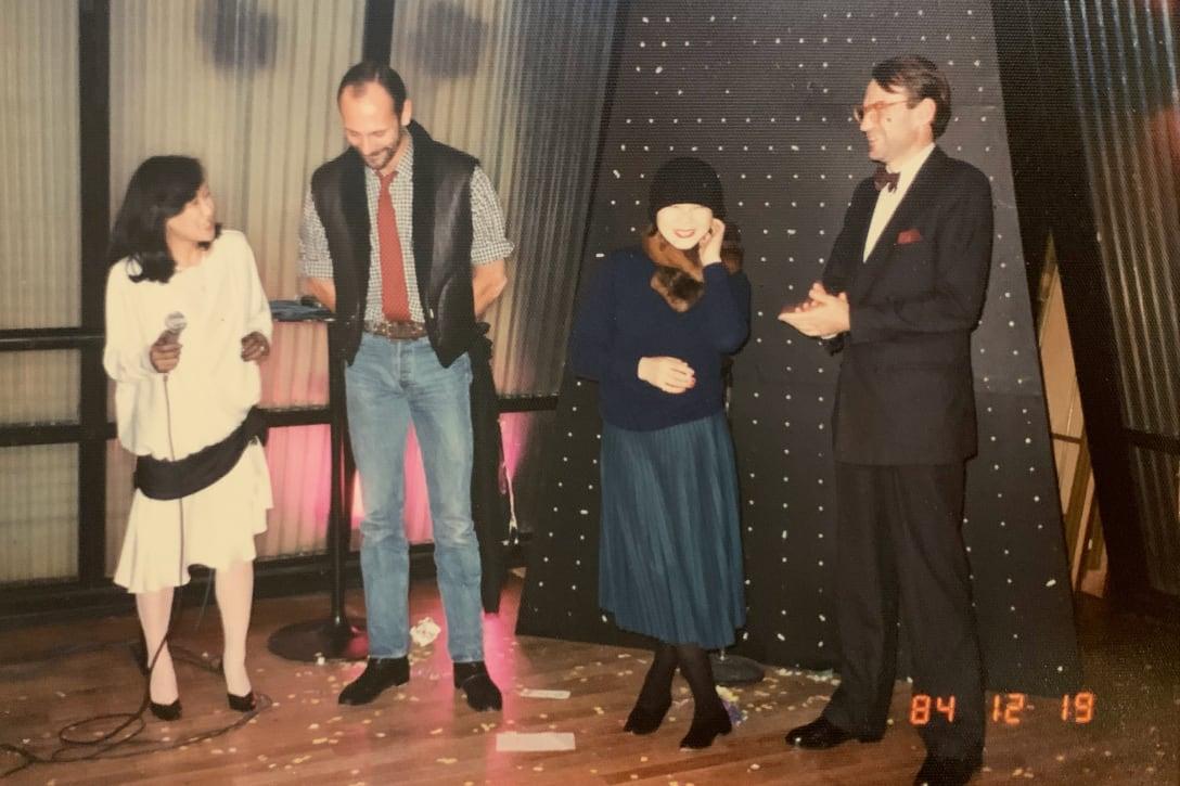 左から:高田賢三の右腕だった近藤敦子、パートナーのグザヴィエ・ドゥ・カステラ(筆者提供)