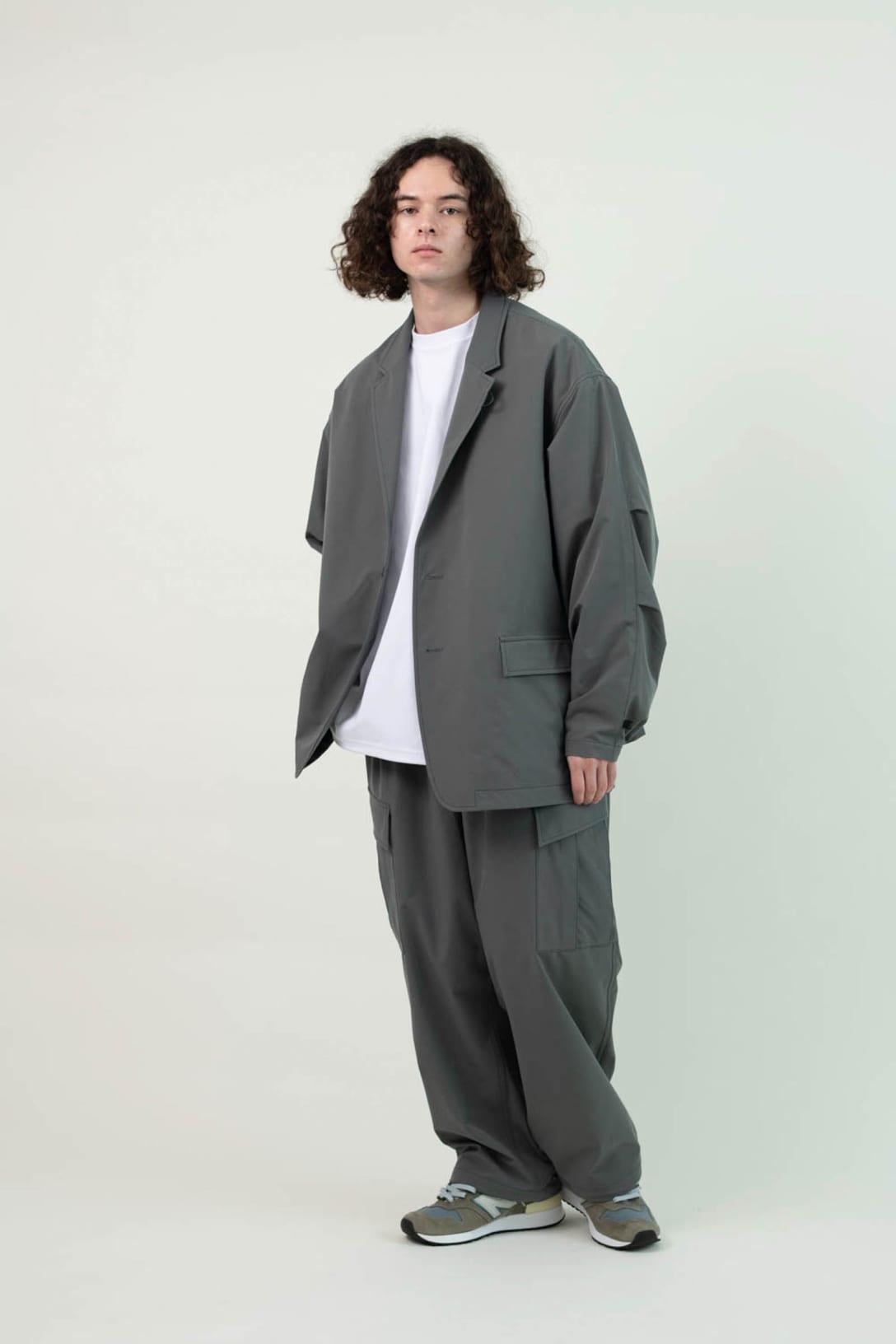 ブランドで最も人気のオーバーサイズジャケットとパンツのセットアップ Image by DAIWA PIER39