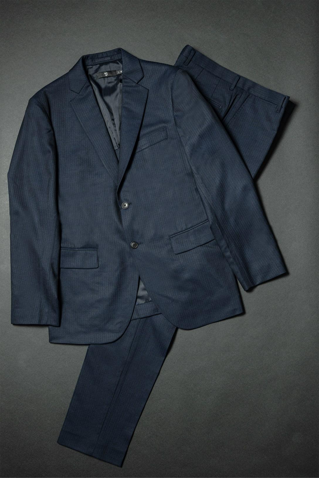ウールテーラードジャケット(1万7900円)&ウールスリムフィットパンツ(9990円)※価格はいずれも税込