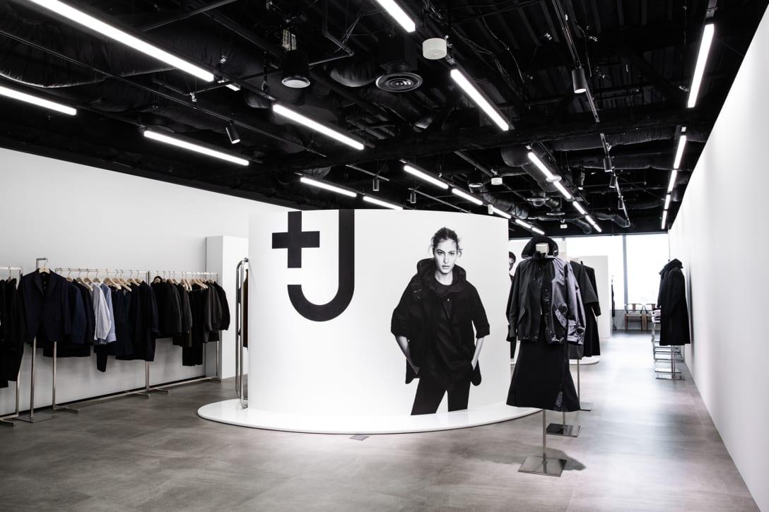 「+J」2021年春夏コレクションのショールーム Image by FASHIONSNAP.COM