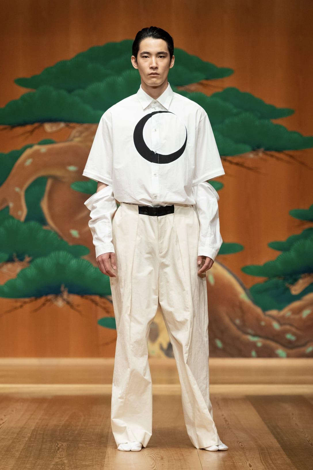Ayaseさんが着用したシャツの色違い