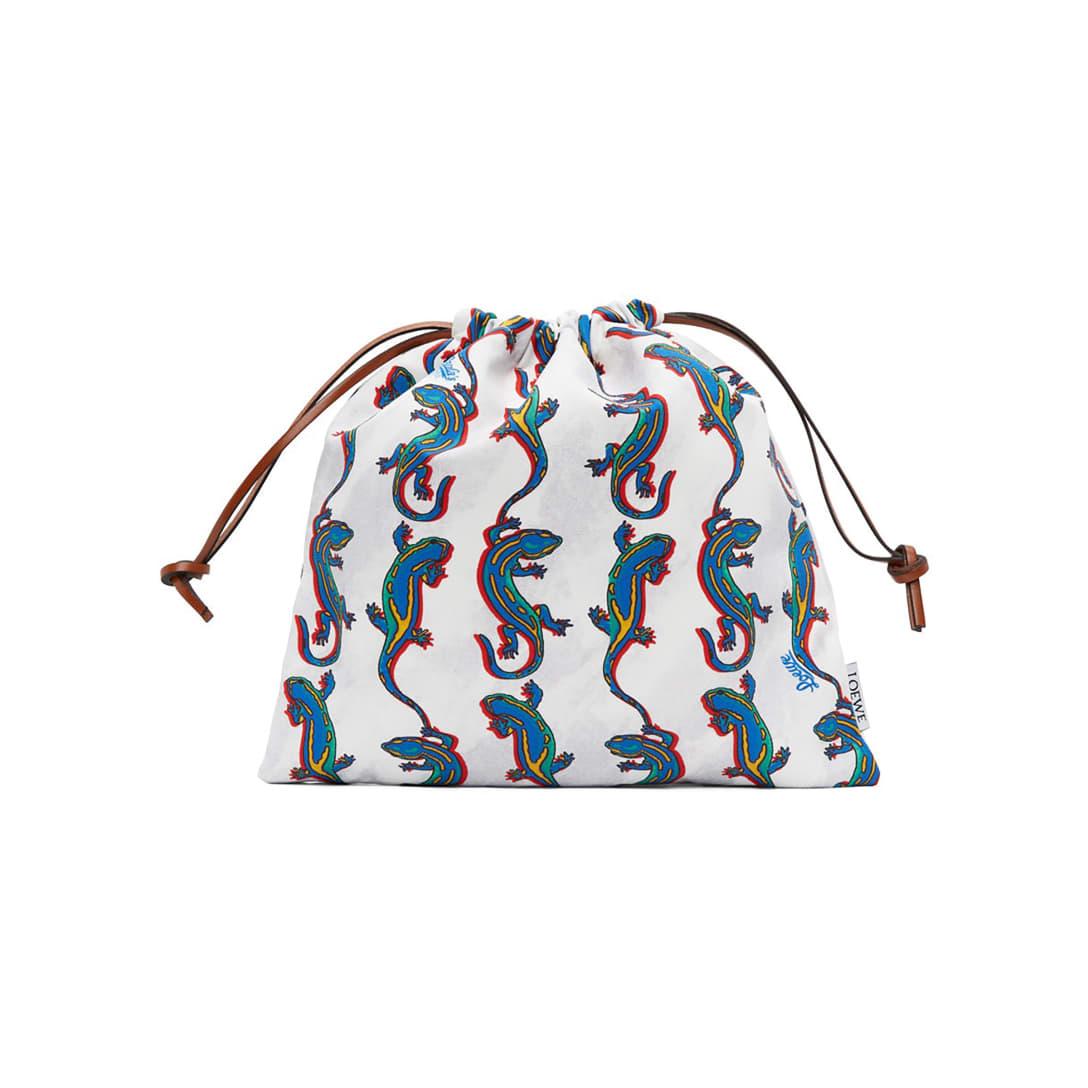 LOEWE Paula's Ibiza コレクション オフホワイト Salamander ドローストリング ポーチ ¥32,000(関税・消費税込)