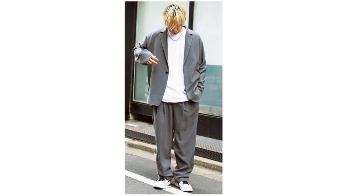 テーラードジャケットとスラックスのセットアップは6日間の受注で2000万円を売り上げた