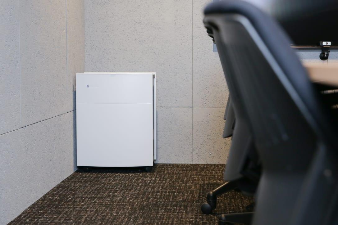 オフィスでは「Classic 690i」を使用中 Image by FASHIONSNAP