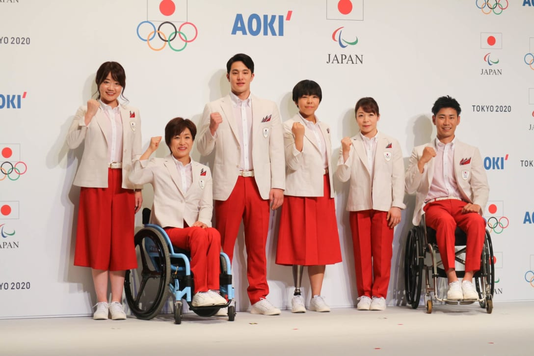 AOKIが手掛けた開会式用服装 Image by FASHIONSNAP