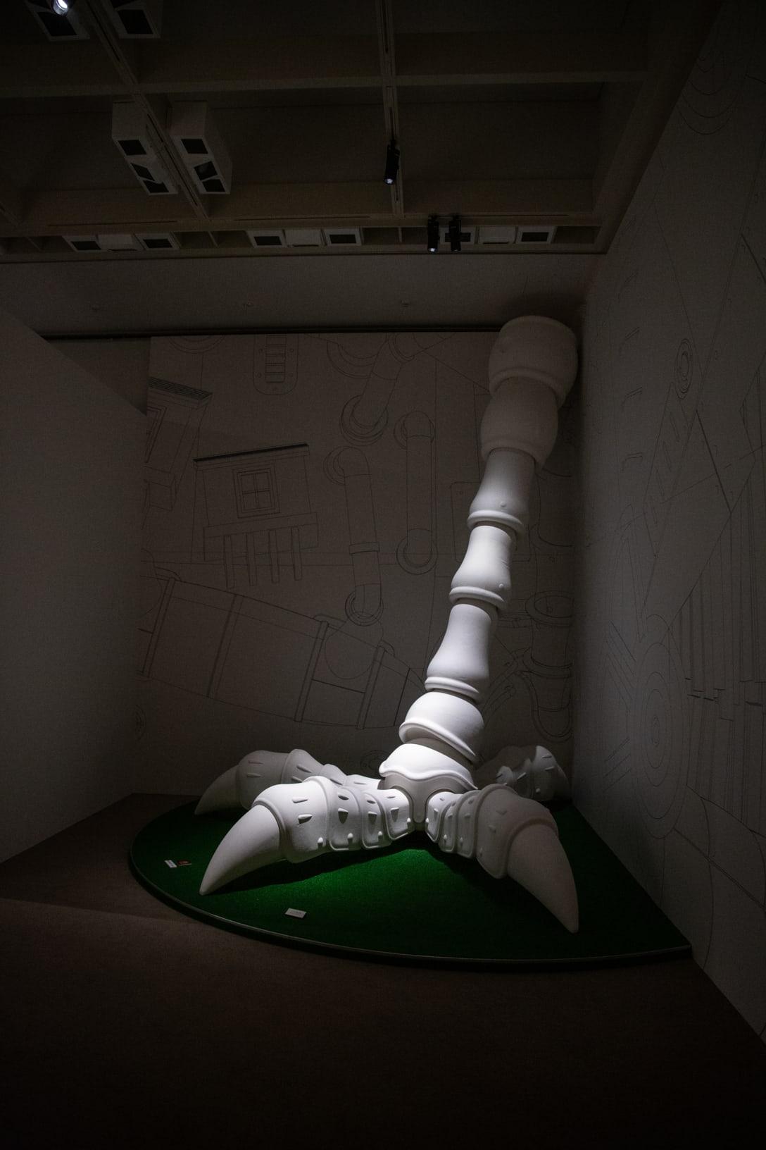 「ハウルの城」脚部 原寸大モックアップ ©︎ Studio Ghibli