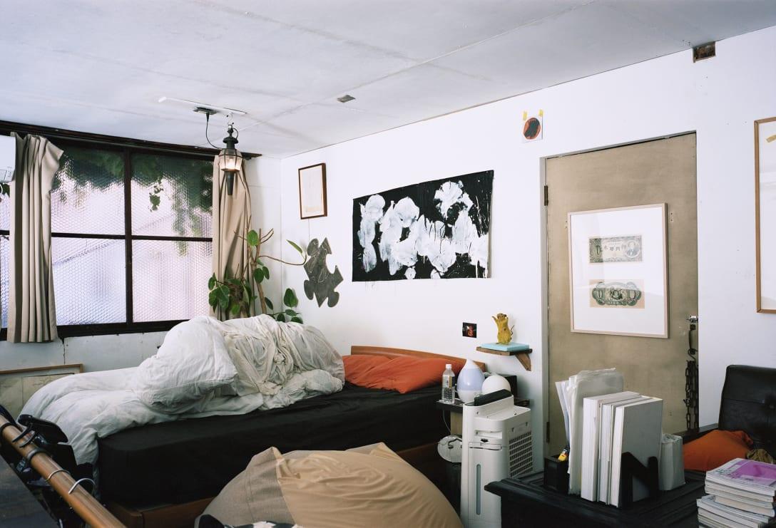 WHITEHOUSEの2階。パスポート保有者はここで宿泊することもできる。 Image by yurika kono