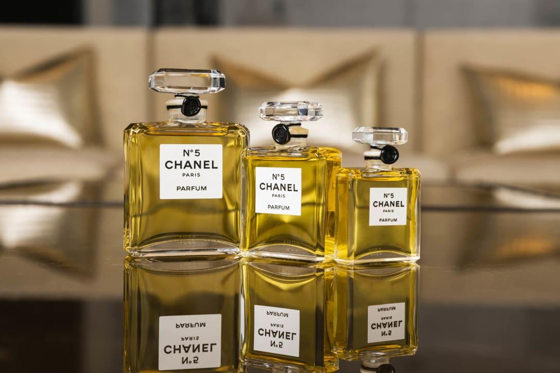 シャネル Nº5 香水(左から)30mL、15mL、7.5mL