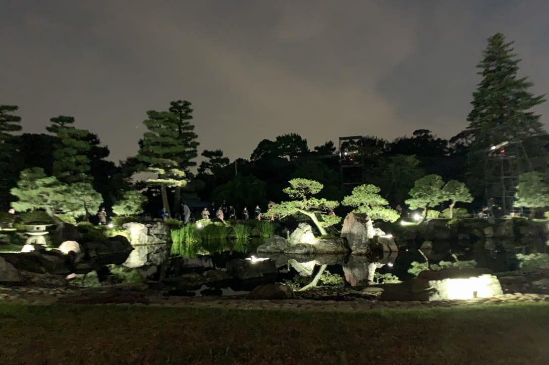 ショー会場となった清流園 Image by FASHIONSNAP