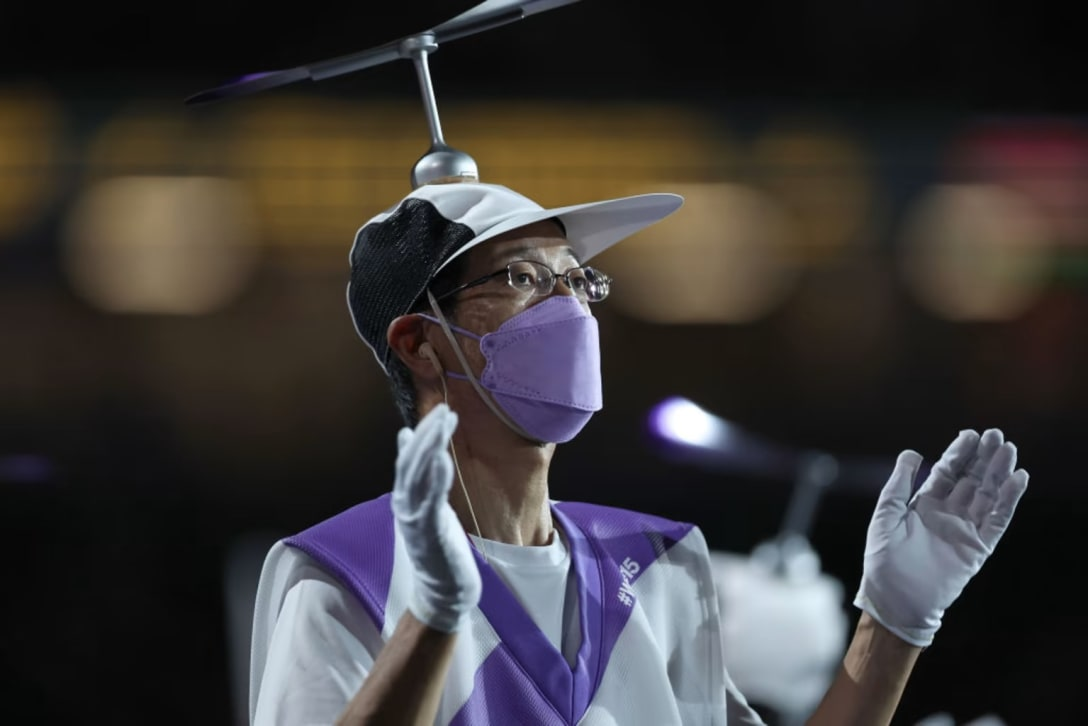 パラリンピック開会式のスタッフ衣装 Image by Getty Images