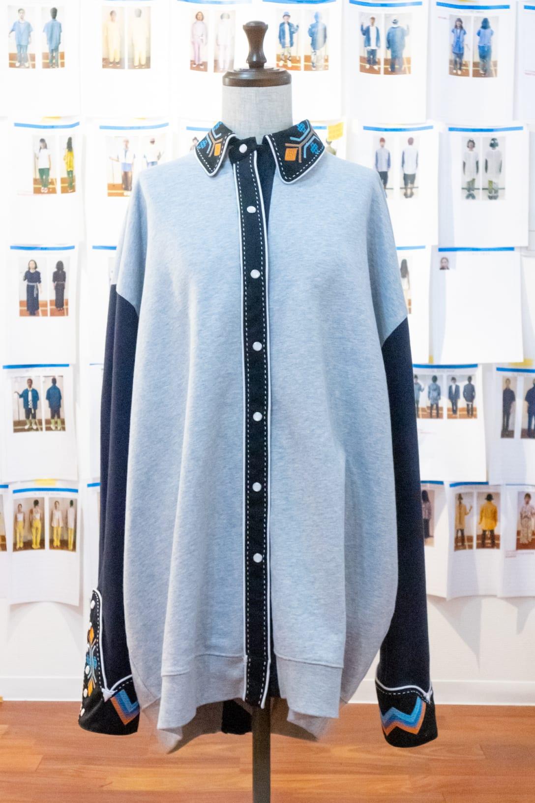 miletが着用していたスウェットシャツ Image by FASHIONSNAP