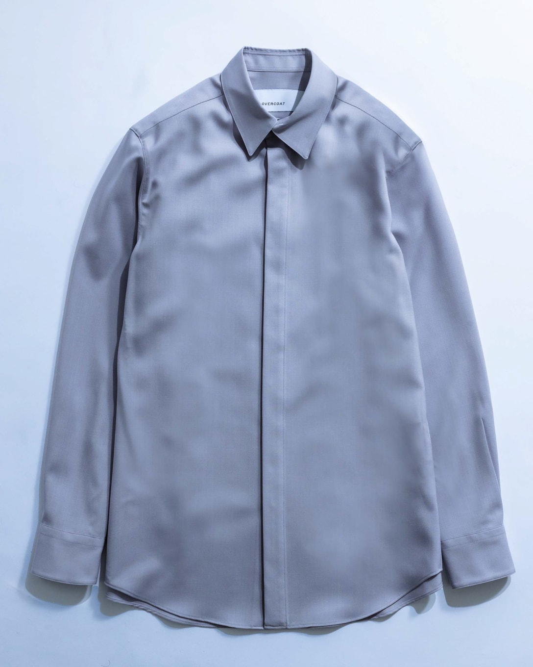DROPPED SHOULDER TOP WITH SHIRT COLLAR(税込4万4000円) Image by FASHIONSNAP