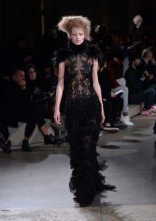 Alexander McQueen 2015-16AW パリコレクション 画像22/36