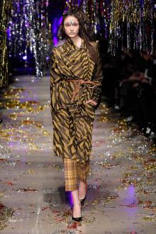 Vivienne Westwood Gold Label 2015-16AW パリコレクション 画像130/168