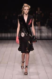 Alexander McQueen -Women's- 2016-17AW ロンドンコレクション 画像3/42