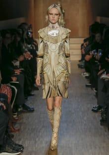 Givenchy by Riccardo Tisci 2016-17AW パリコレクション 画像8/51