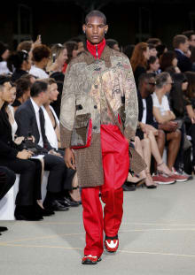 Givenchy by Riccardo Tisci 2017SS パリコレクション 画像30/65