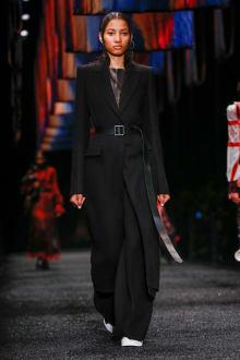 Alexander McQueen 2017-18AW パリコレクション 画像11/45