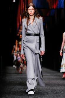 Alexander McQueen 2017-18AW パリコレクション 画像19/45