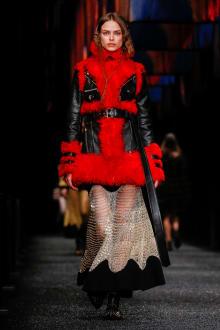 Alexander McQueen 2017-18AW パリコレクション 画像24/45