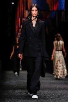 Alexander McQueen 2017-18AW パリコレクション 画像36/45