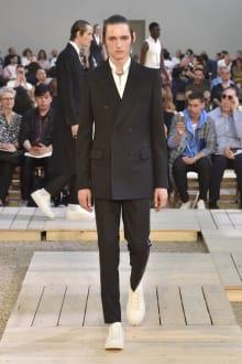 Alexander McQueen 2018SS パリコレクション 画像2/39