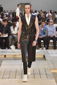 Alexander McQueen 2018SS パリコレクション 画像4/39