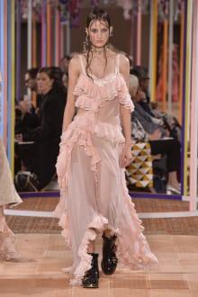 Alexander McQueen -Women's- 2018SS パリコレクション 画像2/46