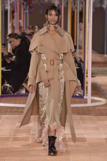 Alexander McQueen -Women's- 2018SS パリコレクション 画像3/46