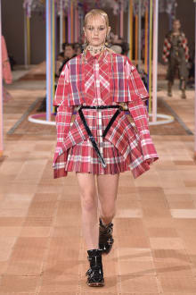 Alexander McQueen -Women's- 2018SS パリコレクション 画像19/46