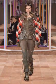 Alexander McQueen -Women's- 2018SS パリコレクション 画像23/46