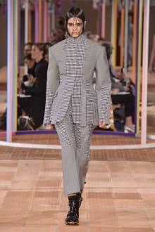 Alexander McQueen -Women's- 2018SS パリコレクション 画像25/46